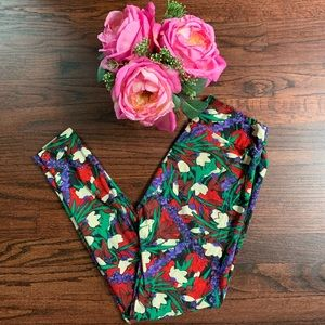 LuLaRoe OS Red & purple floral leggings